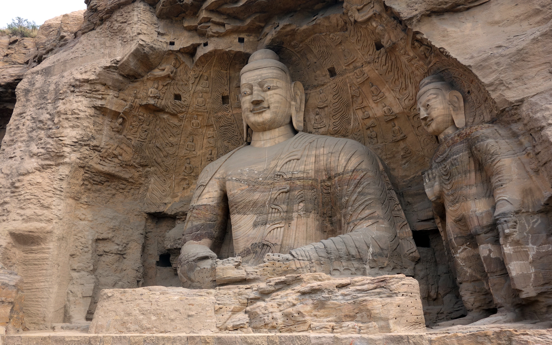 Yungang grottoes China giant buddha