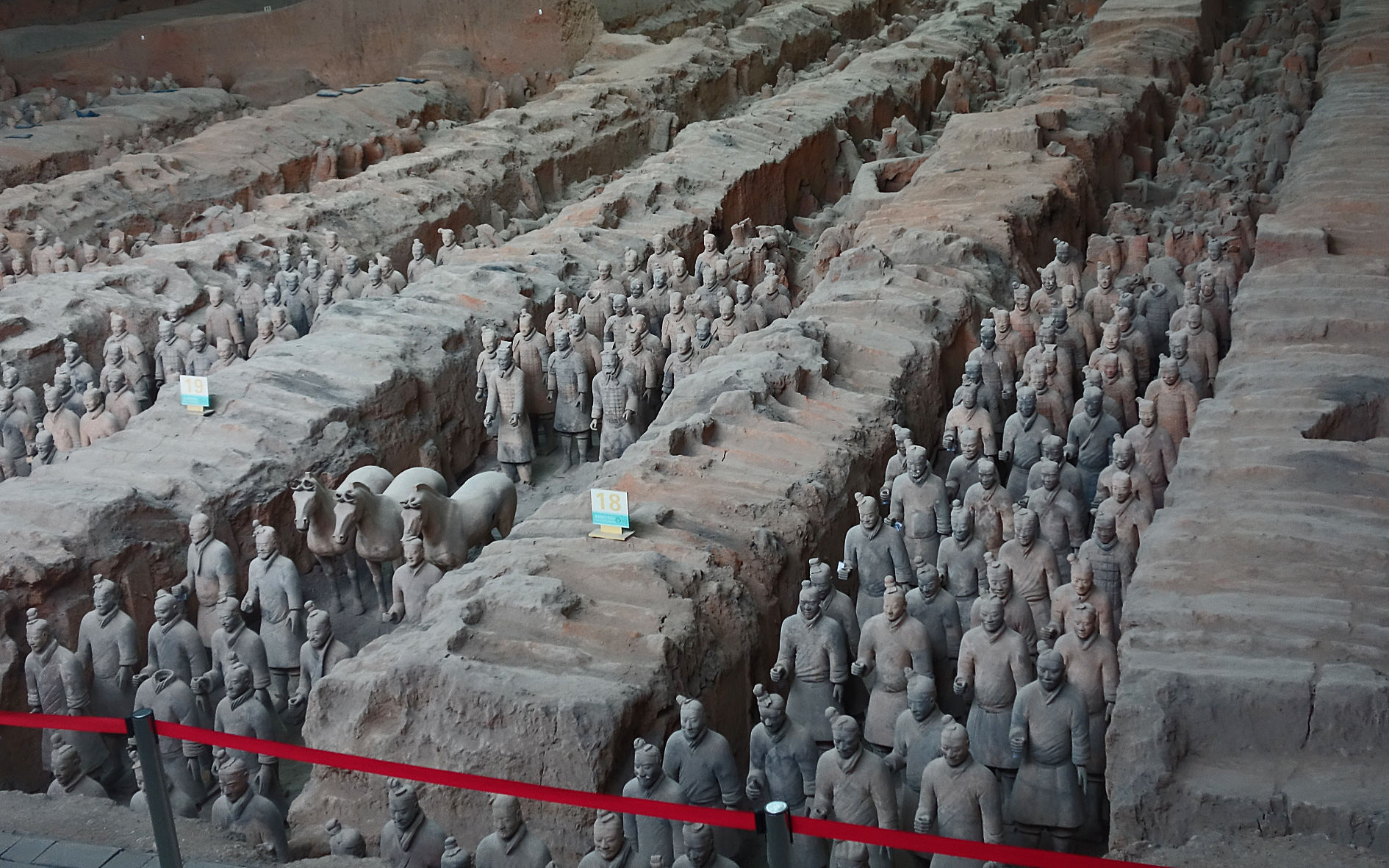 Mass rows of terracotta army