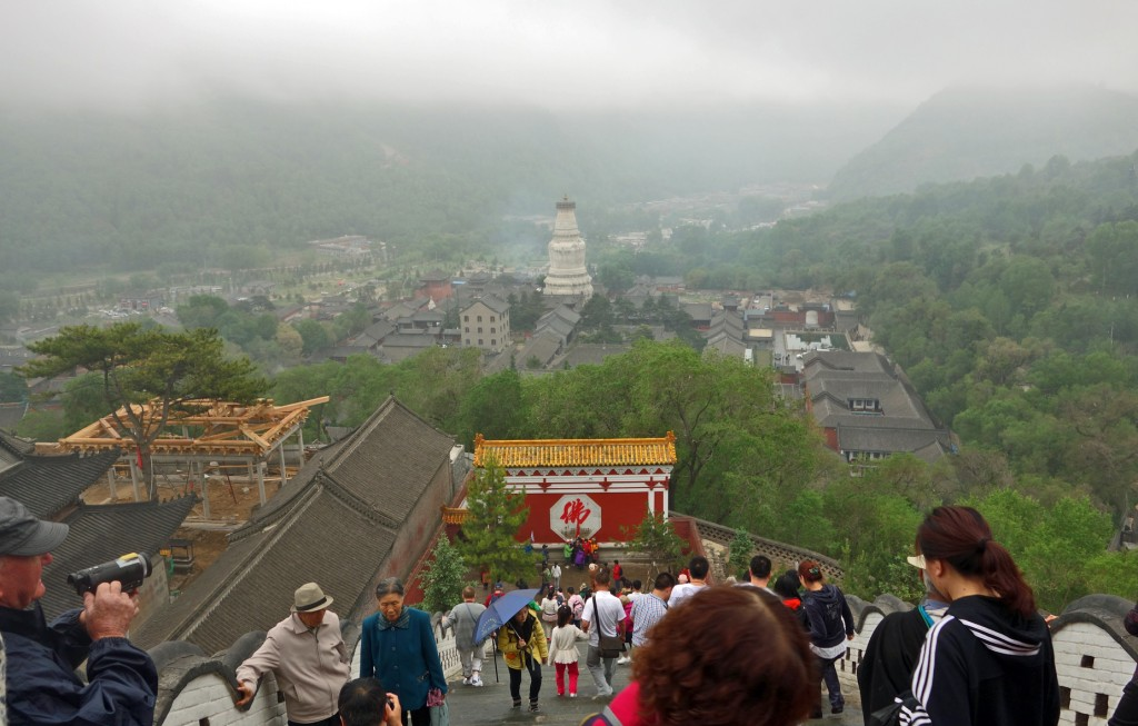 Wutaishang stairway from Pusading Temple to Xiantong Temple